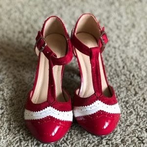 Chase + Chloe Vintage T Strap Red Pumps